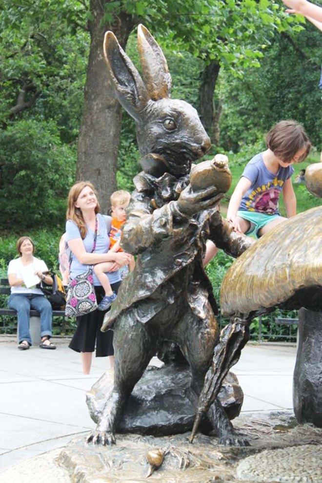 NYC Central Park| Alice in Wonderland statue | Cake + Whisky
