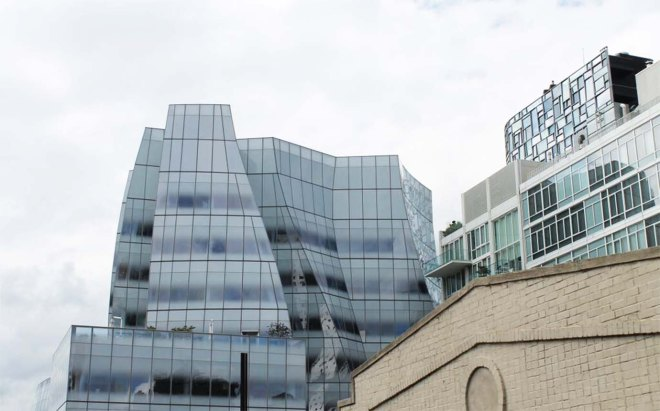 Walking the Highline NYC IAC Building | Cake + Whisky