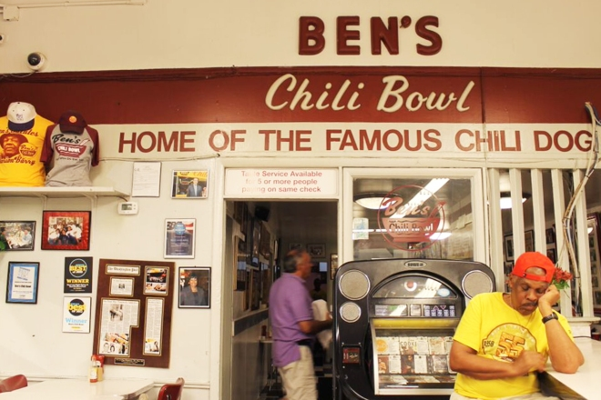 Cake + Whisky | Dinner at Ben's Chili Bowl Washington DC