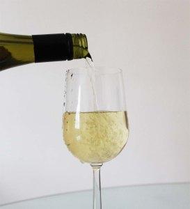 #YelpBigNightIn | Wine from Mr Vine | Cake + Whisky