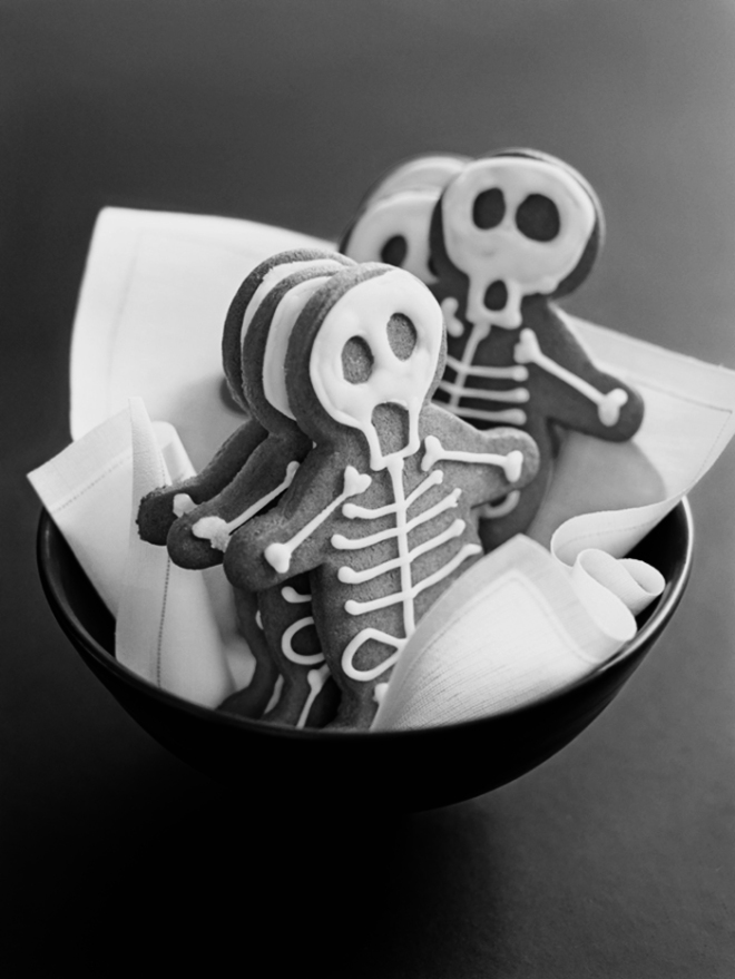 Halloween Inspiration | Gingerbread skeletons from Donna Hey