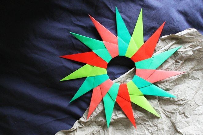 Easy DIY Origami Christmas Wreath | Cake + Whisky