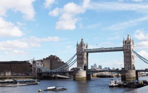 Best things to do in London: a walk along the Thames | Cake + Whisky
