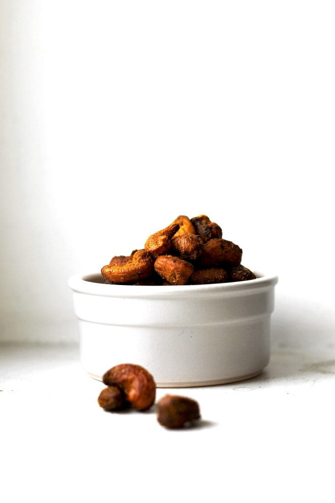 Coconut curry roasted cashews