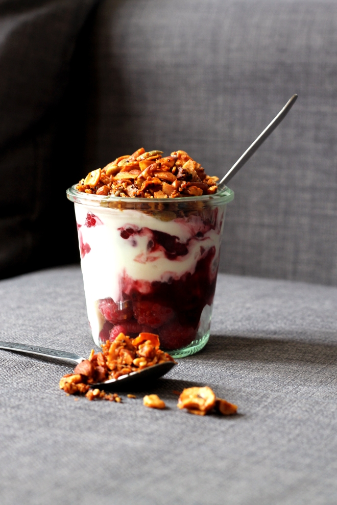 Breakfast yoghurt pots with paleo granola | Cake + Whisky