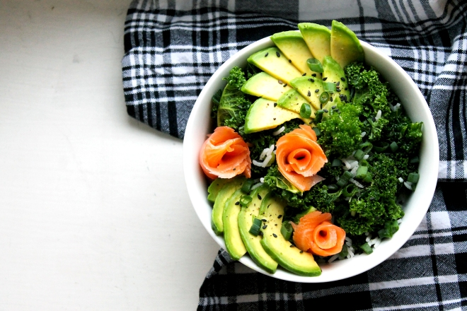 Kale & rice salad with avocado & salmon | Cake + Whisky