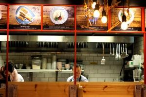Tang London Noodle Bar / Restaurant Review