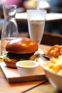 BRGR.CO Chelsea ● Restaurant Review ● Cake + Whisky