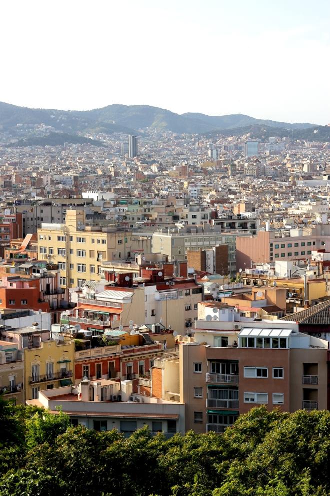 Climbing Montjuïc, Barcelona ● Travel Guide ● Cake + Whisky