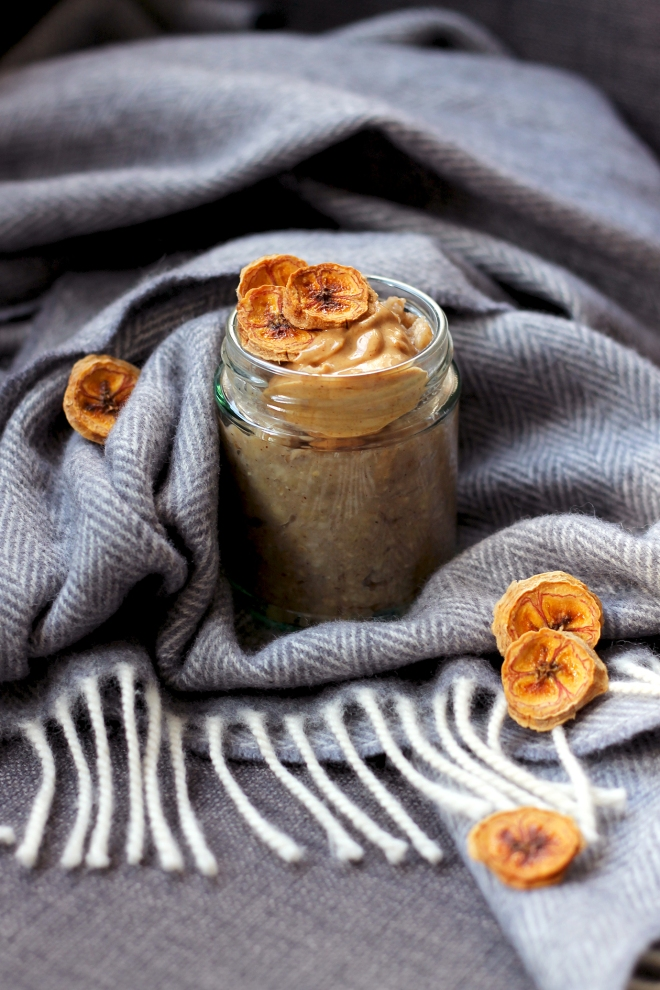 Banana Bread Porridge (VG) • Breakfast Recipe • Cake + Whisky