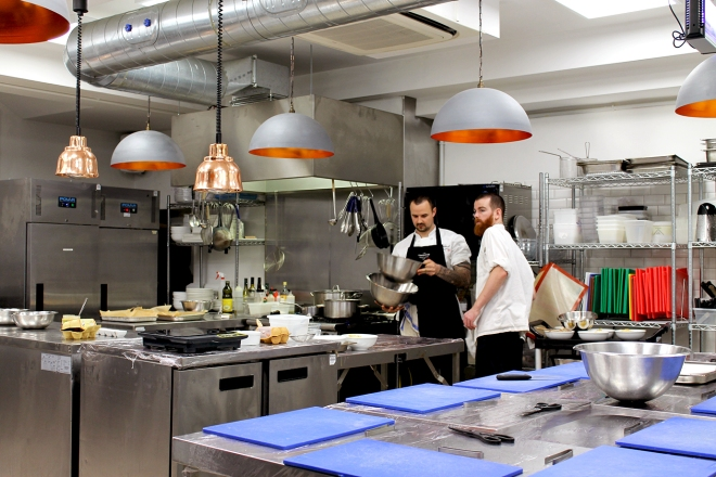 An egg-celent masterclass with Clarence Court / Three-course egg menu / Cake + Whisky